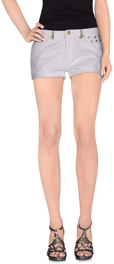 Bea Yuk Mui BEAYUKMUI Denim shorts - Item 42452810