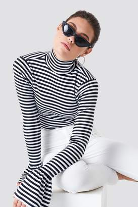 Na Kd Trend Ribbed Bell Sleeve Top