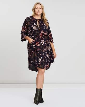 Wintersun Keyhole Dress