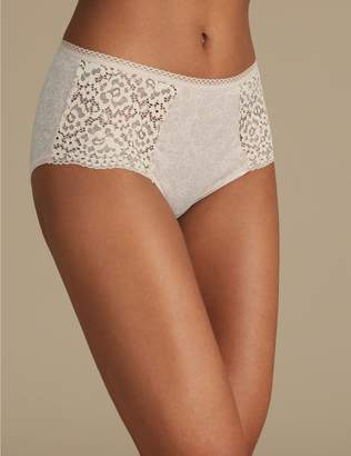 Marks and Spencer Cotton Rich Vintage Lace High Rise Shorts
