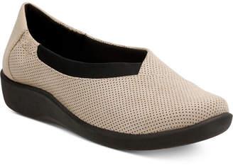 Clarks Collection Women's Cloud Steppers Sillian Jetay Flats $85 thestylecure.com