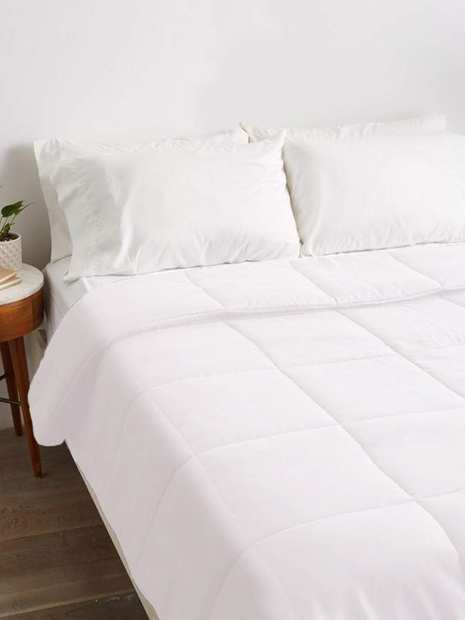 Exquisite Hotel Collection Down Alternative Comforter