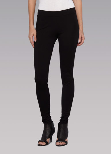 Vince Scrunched Ankle Length legging in Black