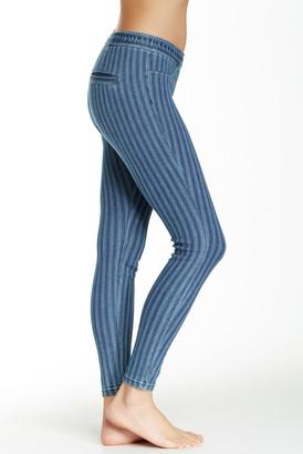 HUE Striped Skimmer Jegging $44 thestylecure.com