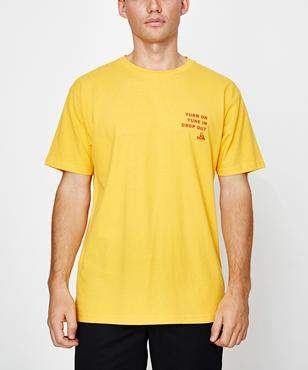 JUNGLES Tune In Short Sleeve T-shirt Gold
