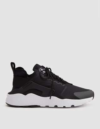 Nike Huarache Run Ultra in Black