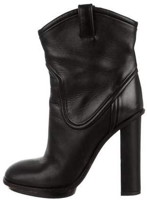 Gucci Leather Round-Toe Ankle Boots