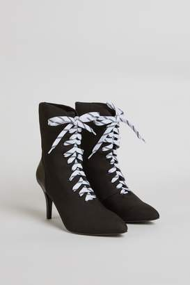 Jaggar THE LABEL FASTEN LACE UP BOOT black