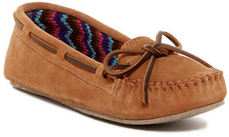 Minnetonka Sweater Lined Cally Moccasin (Women) $39.95 thestylecure.com