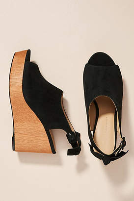 Anthropologie Bow-Back Wooden Wedge Sandals