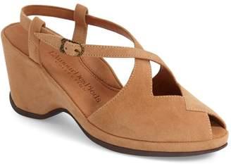 L'Amour des Pieds 'Oraine' Sandal