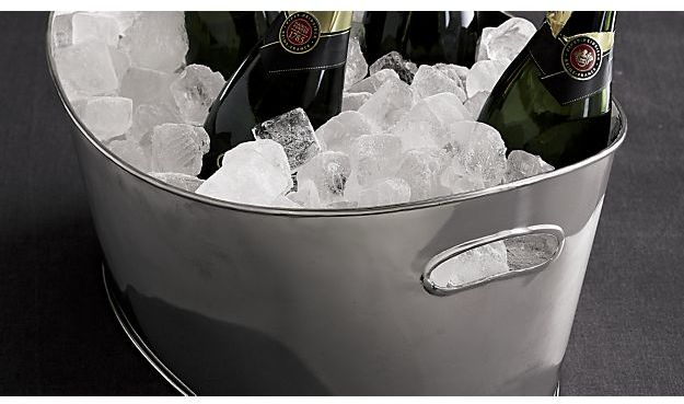 Crate & Barrel Oval Party Beverage Tub