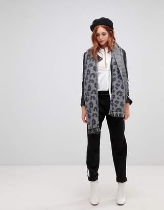 Vero Moda Knited Leopard Print Scarf
