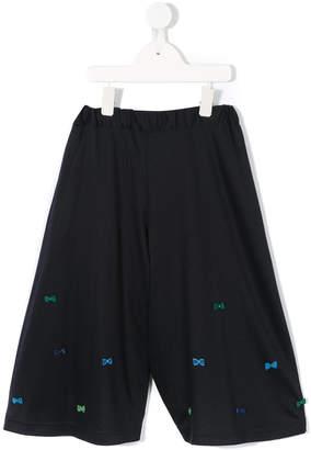 Familiar bow appliqués long shorts