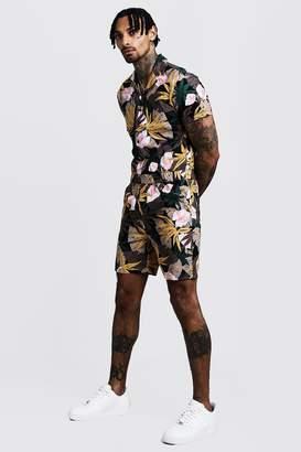 boohoo Floral Print Revere Collar Short Boiler Suit