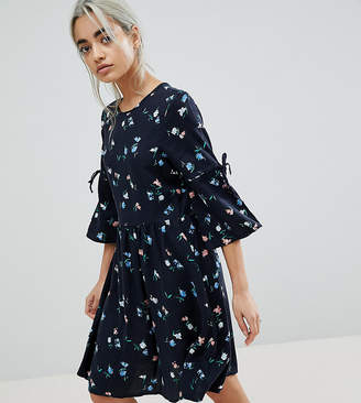 Vero Moda Petite Ditsy Printed Skater Dress With Tie Sleeves