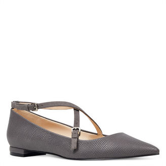 Artzy Pointy Toe Flats $79 thestylecure.com