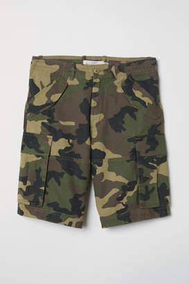 H&M Cotton Twill Cargo Shorts - Green