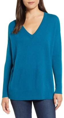 Halogen Relaxed V-Neck Cashmere Sweater