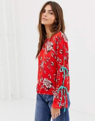 Glamorous floral blouse