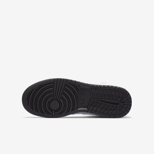 Air Jordan 1 Retro High OG Big Kids' Shoe 17