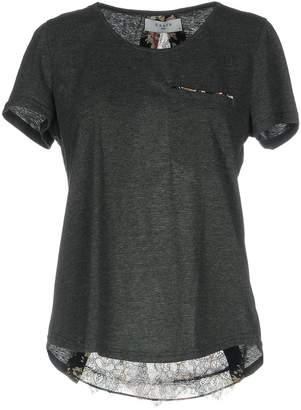 Axara Paris T-shirts