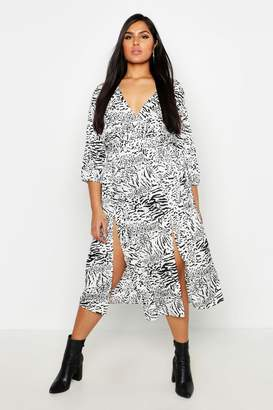 42532942ba81 boohoo Plus White Leopard Plunge Midi Skater Dress