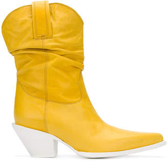 R 13 cowboy boots