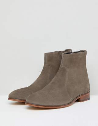 Asos DESIGN Chelsea Boots In Gray Suede With Natural Sole