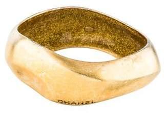 Chanel Wavy Bangle