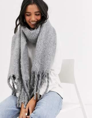 Monki chunky scarf in light gray