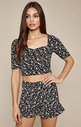 La Hearts Cinched Front Woven Top