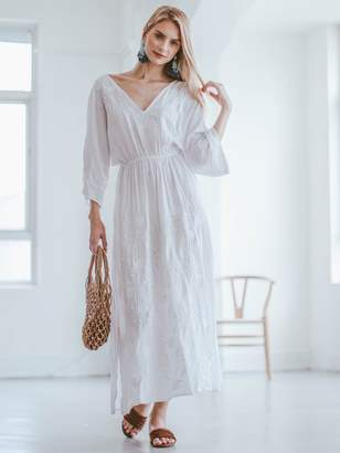 Goodnight Macaroon 'Morgan' White Embroidered Floral Maxi Dress