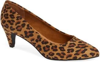 BC Footwear Karat Kitten Heel Pump