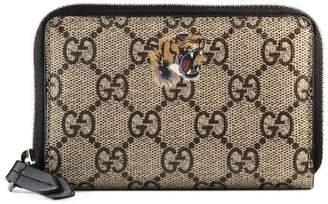 Gucci Tiger print GG Supreme zip card case