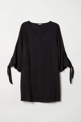 H&M H&M+ V-neck Dress - Black