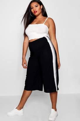 boohoo Plus Yandie Crepe Sports Stripe Culotte
