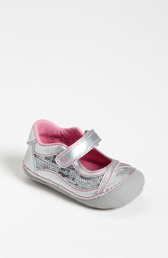 Stride Rite 'Dream Queen' Sneaker (Baby & Walker)