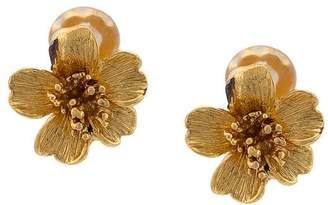 Oscar de la Renta delicate flower button earrings