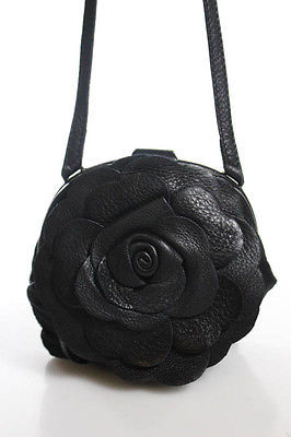Bottega VenetaBottega Veneta Black Leather Rose Detail Clasp Closure Crossbody Handbag