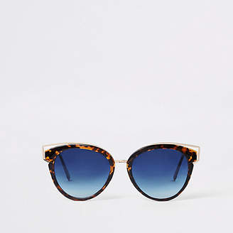 aa1e703f766 at River Island · River Island Womens Brown tortoise shell blue lens  sunglasses