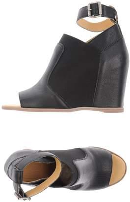 8a150421ceab MM6 MAISON MARGIELA Black Rubber Sole Sandals For Women - ShopStyle ...