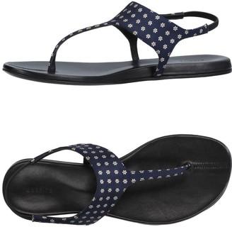 Carritz Toe strap sandals