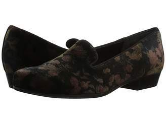 Munro American Cerise Women's Slip on Shoes