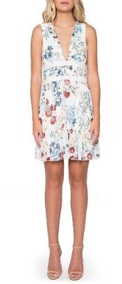 Women's Willow & Clay Floral V-Neck Dress $99 thestylecure.com