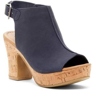 Kenneth Cole Reaction Tole-Tally Leather Platform Sandal