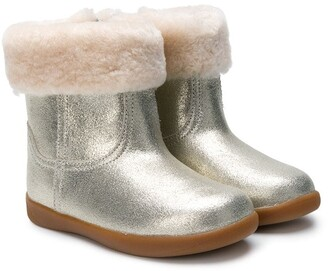 UGG round toe ankle boots