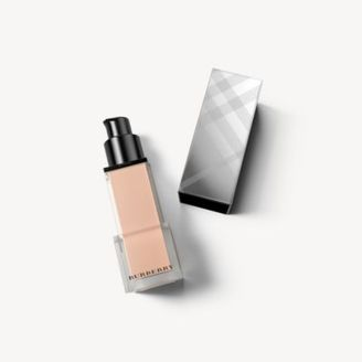 Burberry Fresh Glow Foundation Sunscreen Broad Spectrum SPF 12 – Ochre Nude No.12