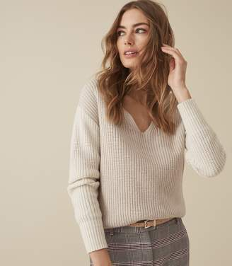 Reiss AUDREY V-NECK RIBBED JUMPER Neutral/white