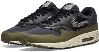 Nike 1 SE